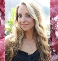 Nomad of the Week : Gabrielle Bernstein